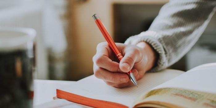 Pourquoi les rédacteurs et les rédactrices ne savent pas écrire?