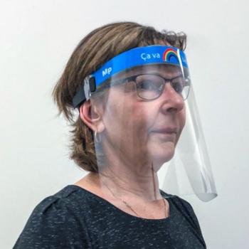 MP Repro transforme son usine pour produire des protecteurs faciaux