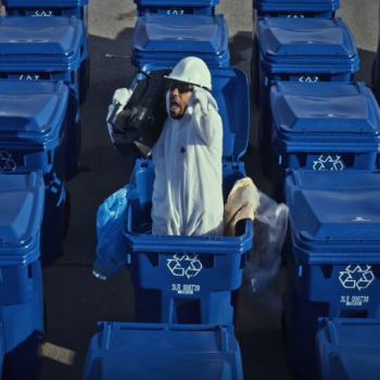 Laval et Alaclair Ensemble combattent les mauvaises habitudes de recyclage