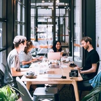 Comment garder les employés des services essentiels mobilisés?