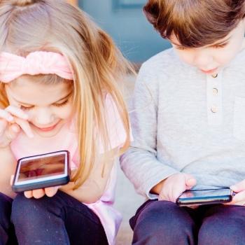 Les jeunes plus présents que jamais sur Internet