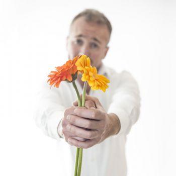 Donnez des fleurs avant et non après