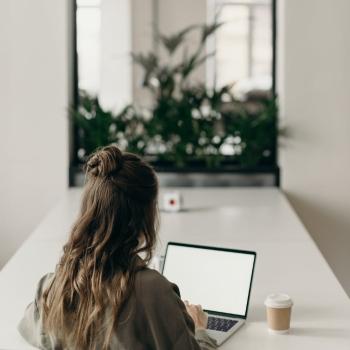Télétravail et COVID-19: comment aider vos employés à voir la lumière au bout du tunnel?